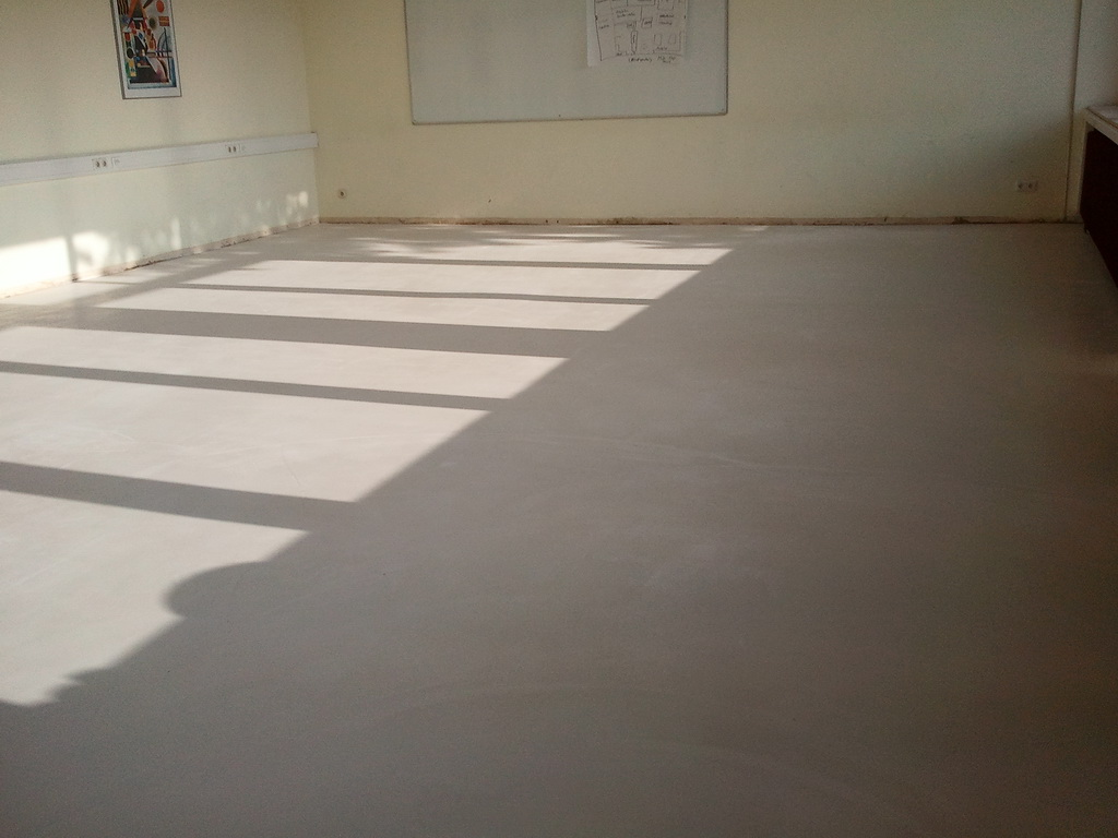 Fußbodenbelag Gummi ~ Kautschuk bodenbelag verlegen und kleben u203a anleitungen fußboden